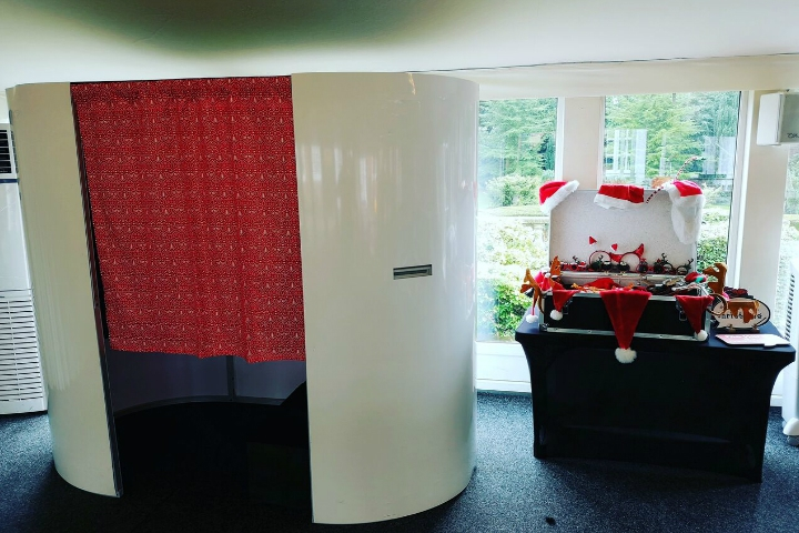 CHRISTMAS PARTY PHOTO BOOTHS